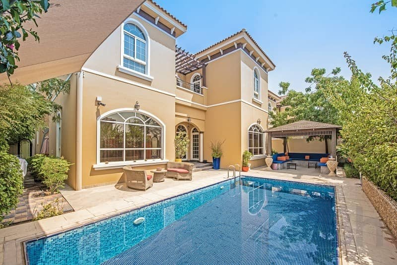 Bespoke Luxury | 6 Bedroom Villa | Private Pool