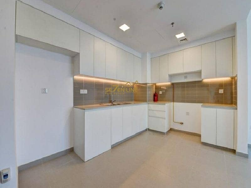 2 Unfurnished 2 Bed with Courtyard & Pool View