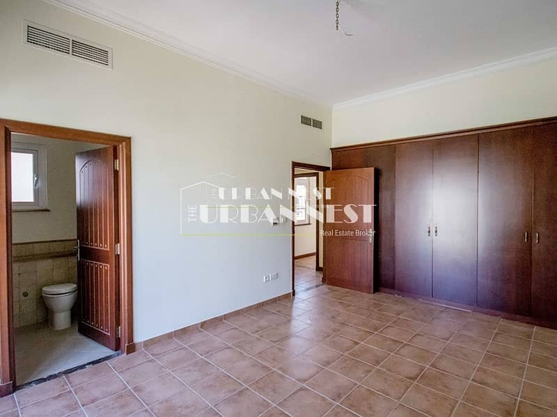 2 Best deal and location for Valencia Villa