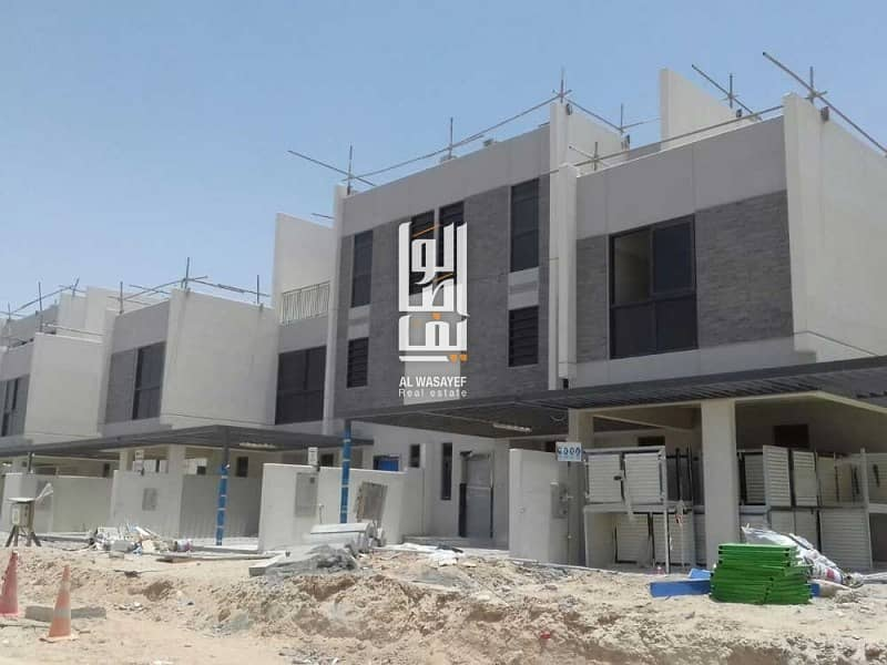11 3BR Multi- Use lower ground heritage villa!!