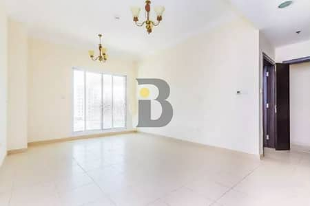 Spacious|Vacant|Lake VIew||Bright and well Maintained|