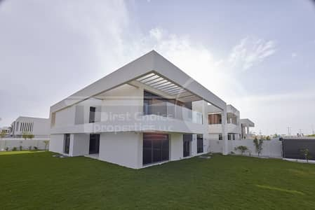 5 Bedroom Villa for Sale in Yas Island, Abu Dhabi - Excellent Modernized Villa!!Invest Today!!
