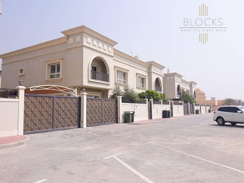 All rooms ensuite 5 B/R+Maids Villa in al Manara