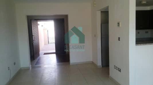 تاون هاوس 1 غرفة نوم للايجار في مثلث قرية الجميرا (JVT)، دبي - Close to Community Market   Huge 1br Townhouse   District 5
