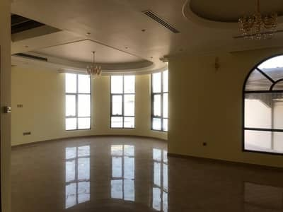 فیلا 5 غرف نوم للايجار في المزهر، دبي - للايجار فيلا في المزهر الاولى طابقين تتطون من 5 غرف و 2 صاله ومجلس وملحق