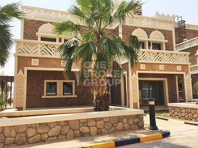 فیلا 5 غرفة نوم للبيع في نخلة جميرا، دبي - Rent to own ready to move in beach villa