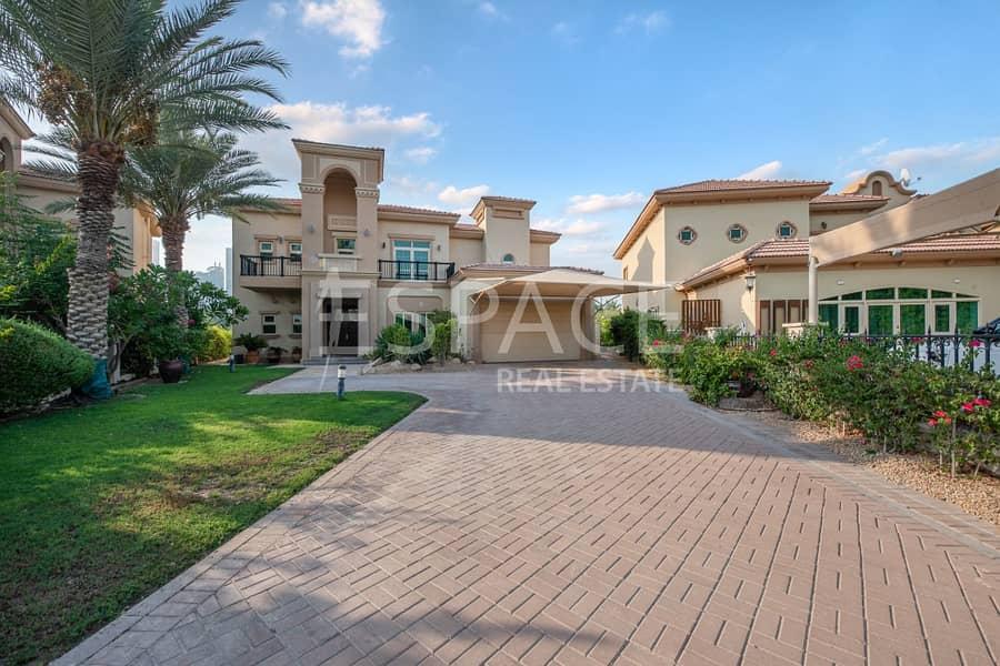 2 E.F Villa | Upgraded | Dubai Skyline View
