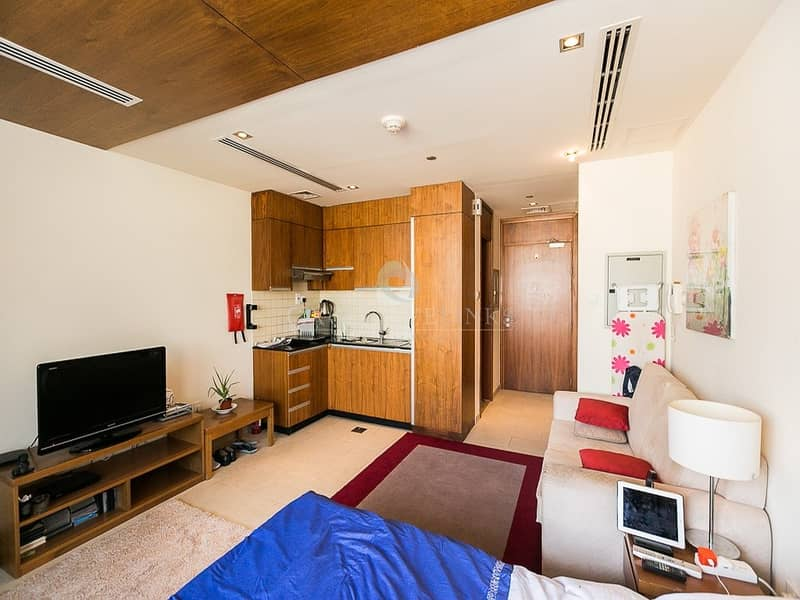 2 Hot and Reduced Price Studio Canal View