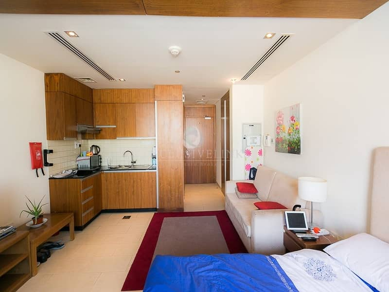 Hot and Reduced Price Studio Canal View