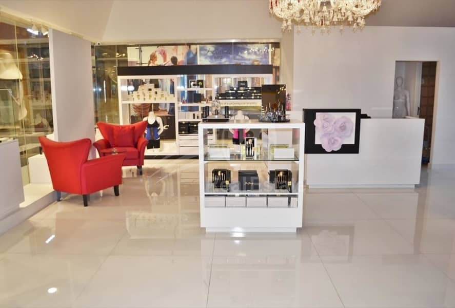 2 Ready retail corner shop for sale in DIFC