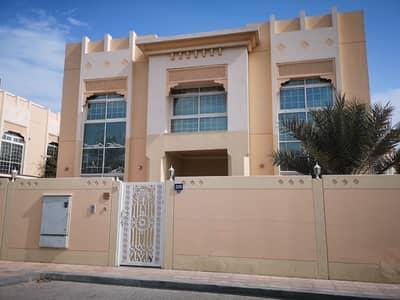 فیلا 6 غرفة نوم للبيع في جميرا، دبي - Commercial Road Side Villa - Majlis Room - 2 Units Available