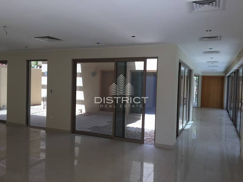 2 Deluxe Spacious Villa with Pool in Raha