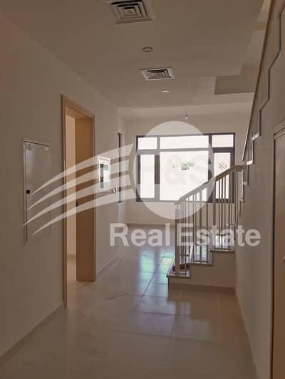 Authentic Ad| Type J| Near Entrance| Single Row