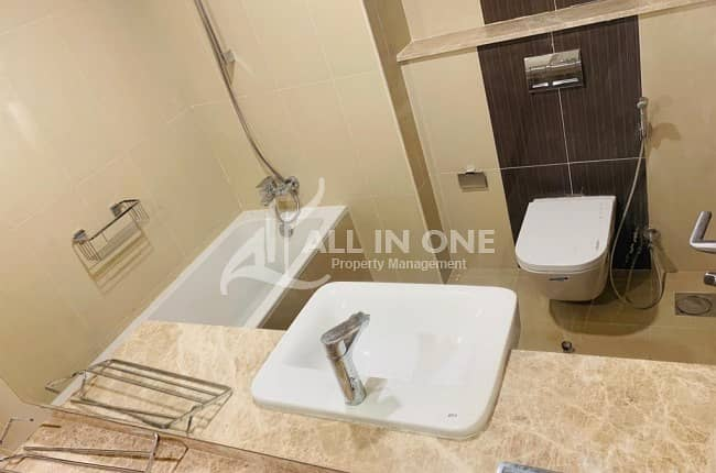 10 Attractive Place and Brand New 4BHK in Corniche @ AED 210000