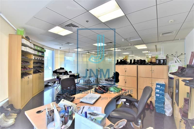 2 Beautiful Fitted office for lease in Saba 1