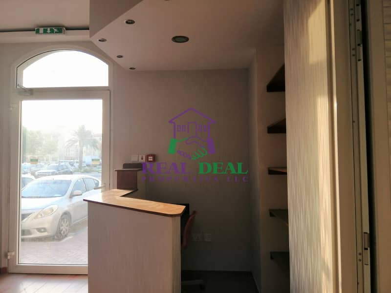 2 Fully fitted shop with office set up for rent