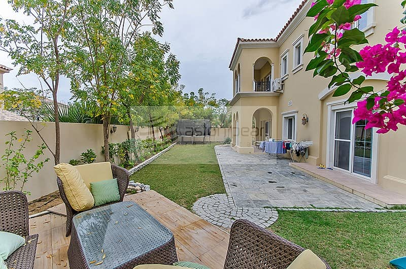 2 Beautiful 3BR+M Villa | Close to Pool and Park