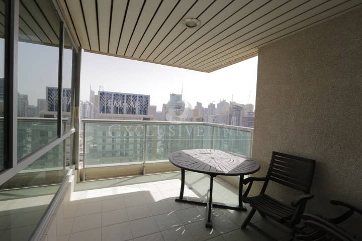 10 Beautiful high floor apartment with fantastic view