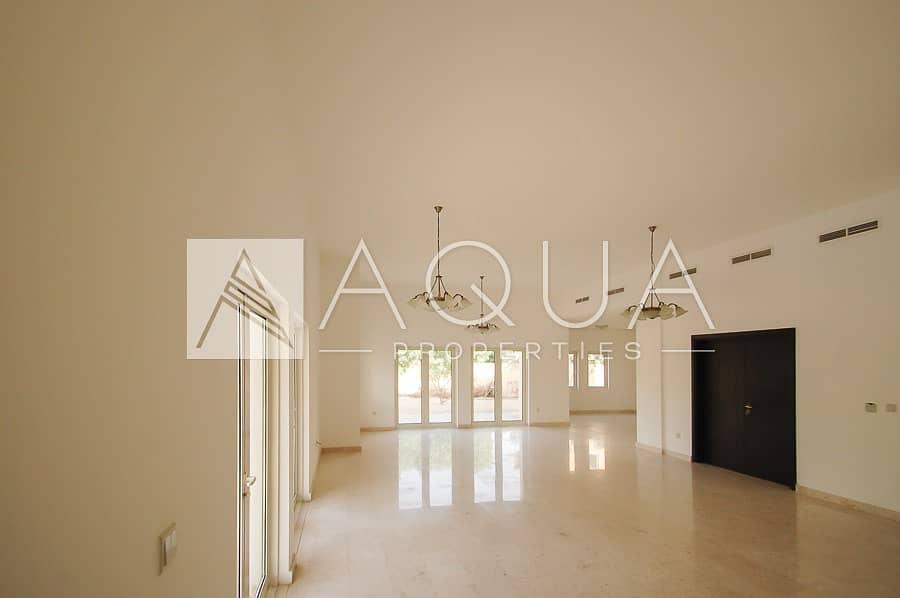 2 6 BR Mazaya C2 Villa with Pool and Garden