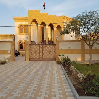 فیلا 4 غرفة نوم للبيع في الروضة، عجمان - فيلا للبيع علي الشارع مباشره بجوار المسجد  تملك حر لجميع الجنسيات