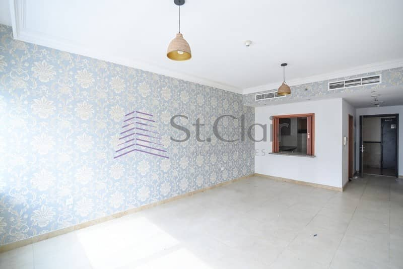 2 1 Bed Large Kitchen | Low Floor | Near the Beach