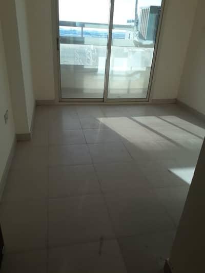 شقة في برج إم أر مدينة الإمارات 1 غرف 185000 درهم - 4159502