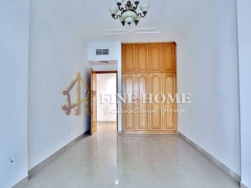 10 GREAT LAYOUT 3BEDROOM APARTMENT IN AL CORNICH