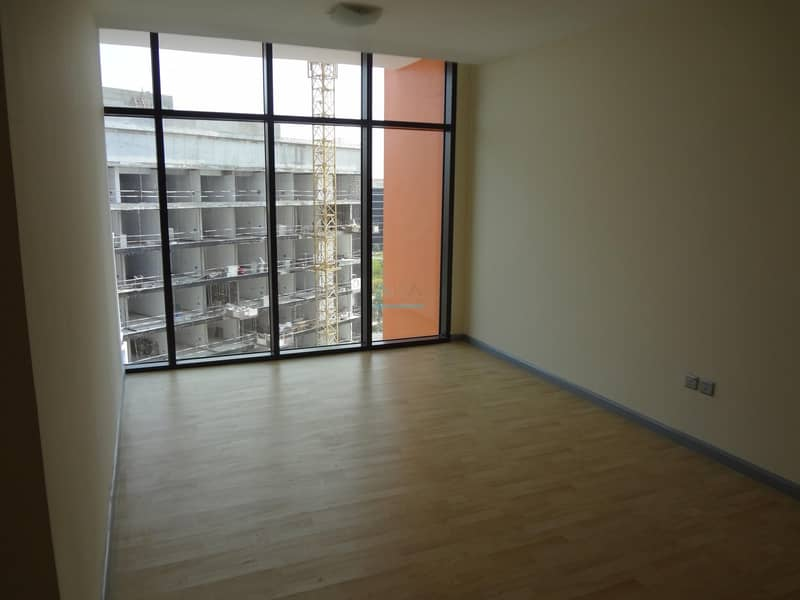 SPACIOUS ONE MONTH FREE STUDIO+POOL+GYM+PARKING