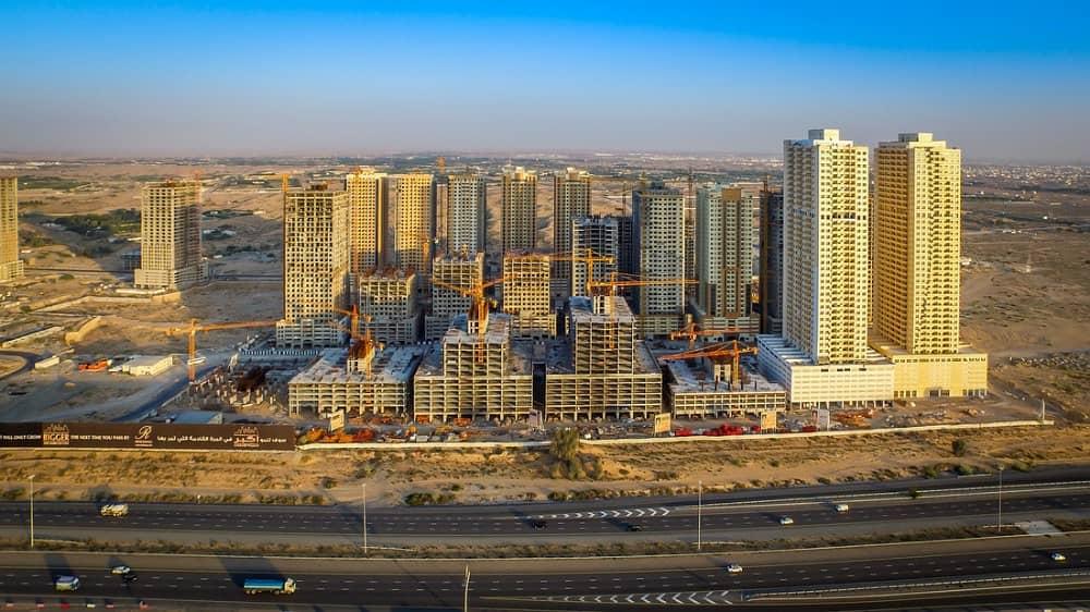 شقة في برج الزنبق مدينة الإمارات 1 غرف 170000 درهم - 4160884