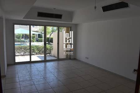 3 Bedroom Villa for Rent in Jumeirah, Dubai - Near the Beach! 3 Br villa   Garden   Maids room