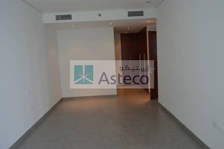فلیٹ 1 غرفة نوم للايجار في شارع الشيخ زايد، دبي - Spacious 1BHK Apartment for Rent  at Sheikh Zayed Road