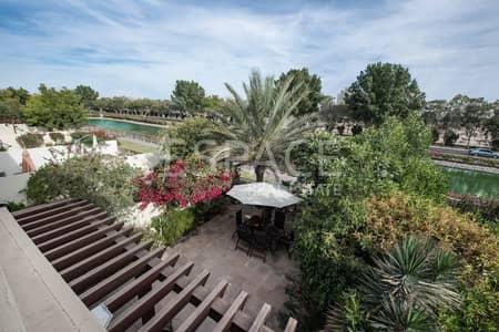 فیلا 2 غرفة نوم للبيع في الينابيع، دبي - Quiet Location Upgraded Kitchen on Lake