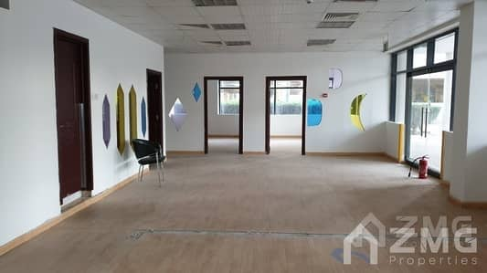 Shop for Rent in Jumeirah Lake Towers (JLT), Dubai - Retail Space I Lake Level I Goldcrest Views 2 I Cluster J I