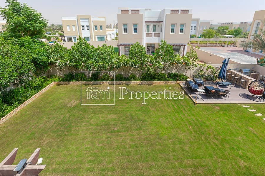 2 Highly Upgraded 3 Bed Landscaped Villa in Rahat