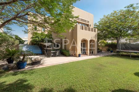 5 Bedroom Villa for Sale in Arabian Ranches, Dubai - Fantastic Family Home - Private Location