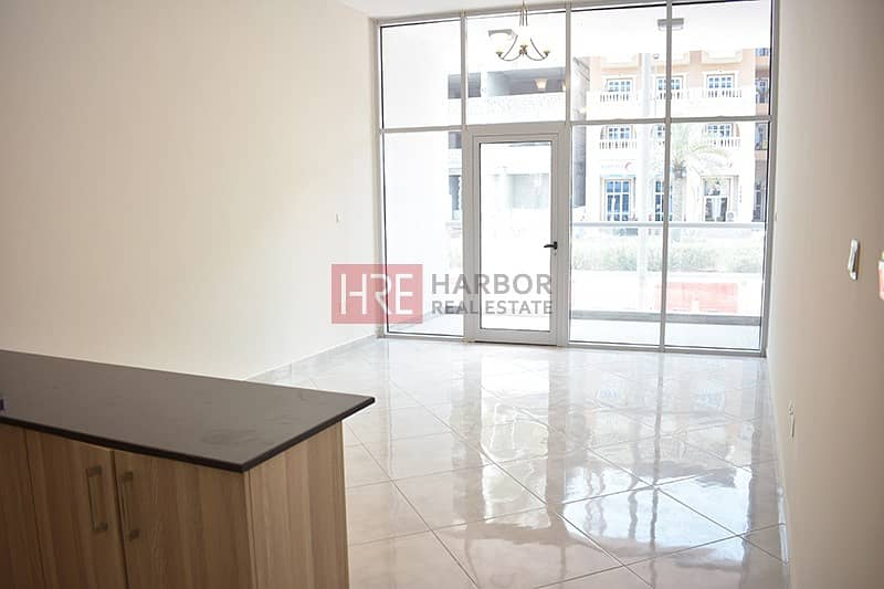 2 Spacious Studio   Brand New    Up To 12 Cheques