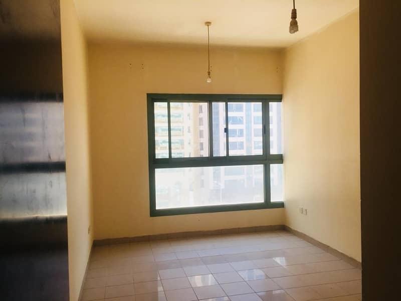 شقة في منطقة الكورنيش 2 غرف 55000 درهم - 4165963