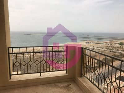 2 Bedroom Apartment for Sale in Al Hamra Village, Ras Al Khaimah - Live Near The Sea-Gorgeous 2 Bed Royal Breeze