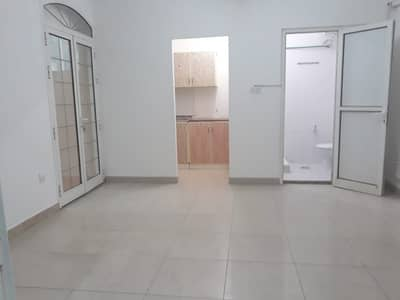 1 Bedroom Apartment for Rent in Al Wahdah, Abu Dhabi - 3 DAYS MAX DISCOUNT-3,400 ONLY FOR  GOOD QUALITY 1BHK W/ BALCONY. IN BEHIND AL WAHDA MALL