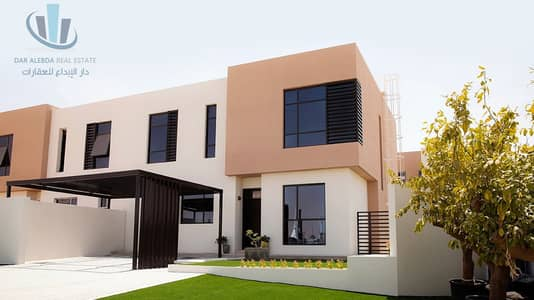 3 Bedroom Flat for Sale in Al Tai, Sharjah - Own a luxury Villa in Sharjah without service charge in the best residential complex
