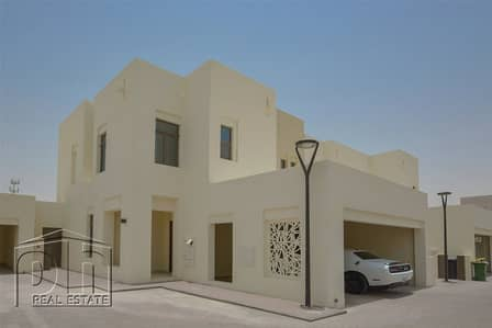 E Type | Single Row Villa | Close To Pool