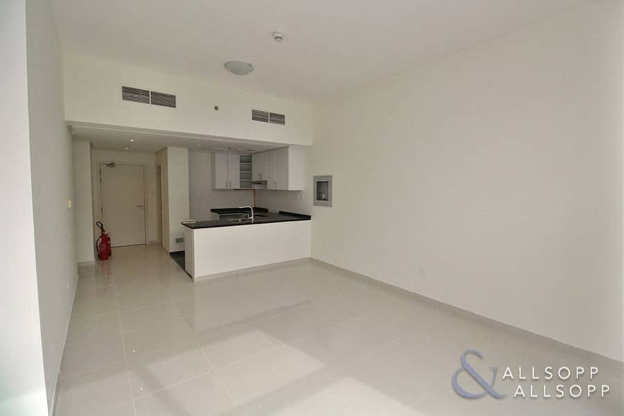 2 Vacant on Transfer | Pool View | 2 Bedroom