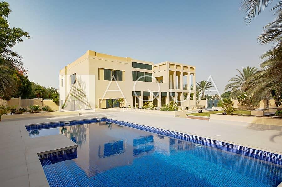 Luxury Villa   Lake Views   Garden With a Pool