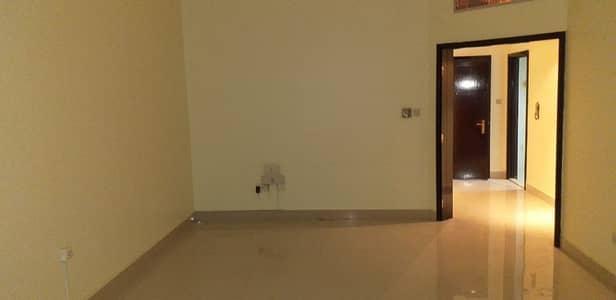 شقة 2 غرفة نوم للايجار في شارع السلام، أبوظبي - Sharing Apt! 2BHK with Balcony in Khalifa Street