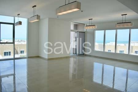 شقة 4 غرفة نوم للايجار في مارينا، أبوظبي - Marina Sunset spacious apartments for rent