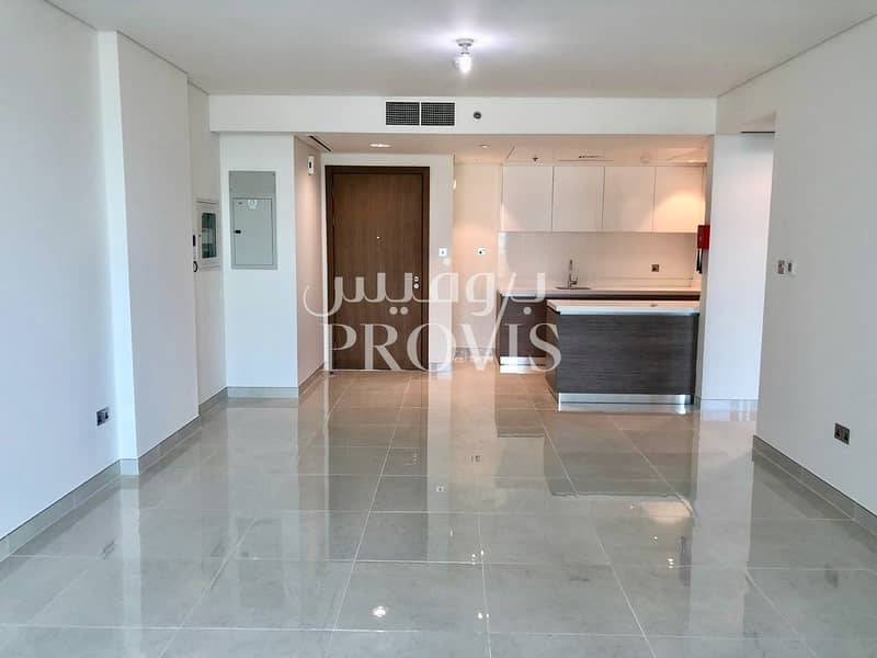2 Vacant Apartment! Waiting for You to Make it Home!