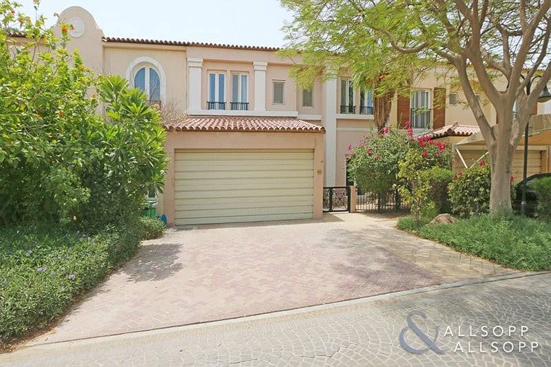 Great location | Close to Pool | 4 Bedroom
