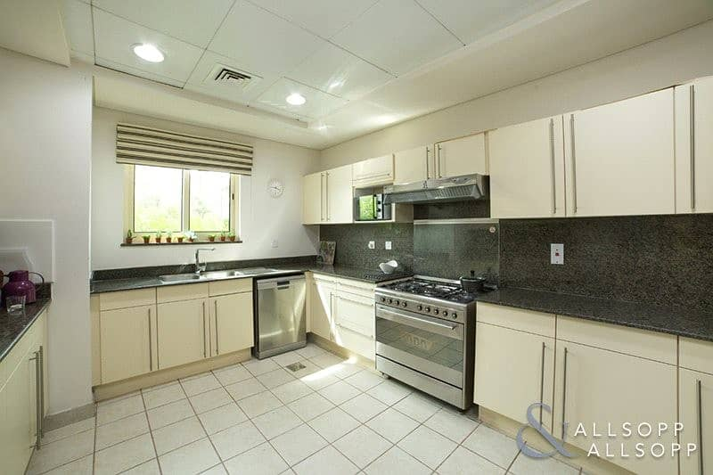 10 Corner Plot | Next to Clubhouse | 4 Beds