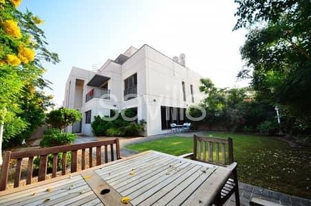 فیلا 6 غرفة نوم للبيع في مويلح، الشارقة - Corner 6 bedroom G+2  semi-detached villa