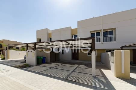 3 Bedroom Townhouse for Rent in Muwaileh, Sharjah - Vacant mid unit next to park with back yard